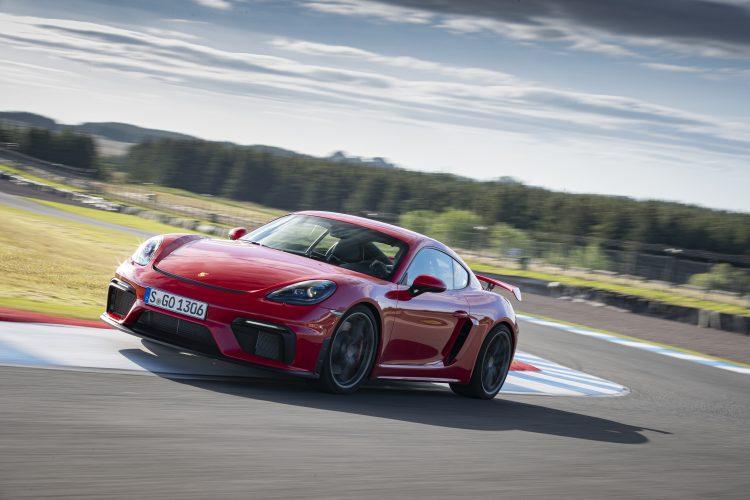 Pic_Porsche_GT4_S19_3040_fine.jpg